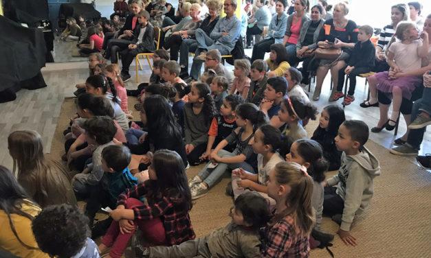 ''Pouki au pays des marionnettes'' a fait voyager les enfants autour du monde