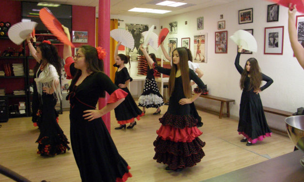 Cours d'espagnol et de danse sévillane avec la Peña Taurine Los Manzanares