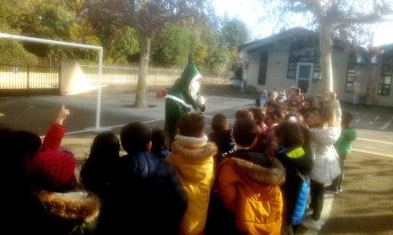 Le père Noël vert de passage à Aubord