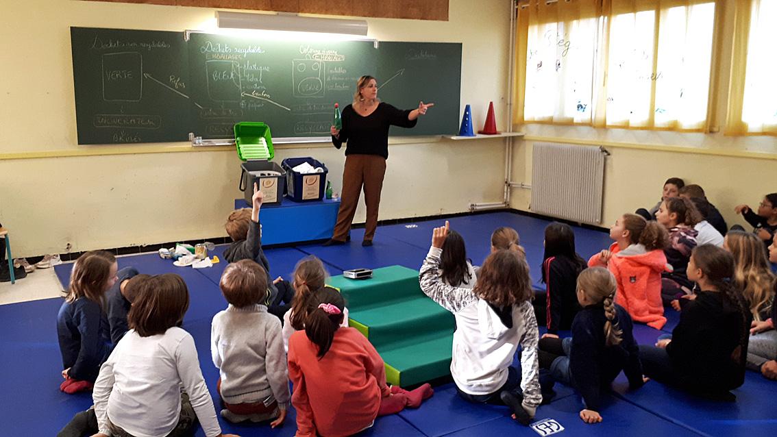 Aubord : les élèves du primaire apprennent le tri sélectif