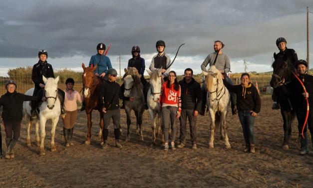 Le tir à l'arc à cheval à l'Écurie du Vieux Mas.