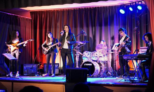 Concert de rock par l'ecole de musique de Petite Camargue.