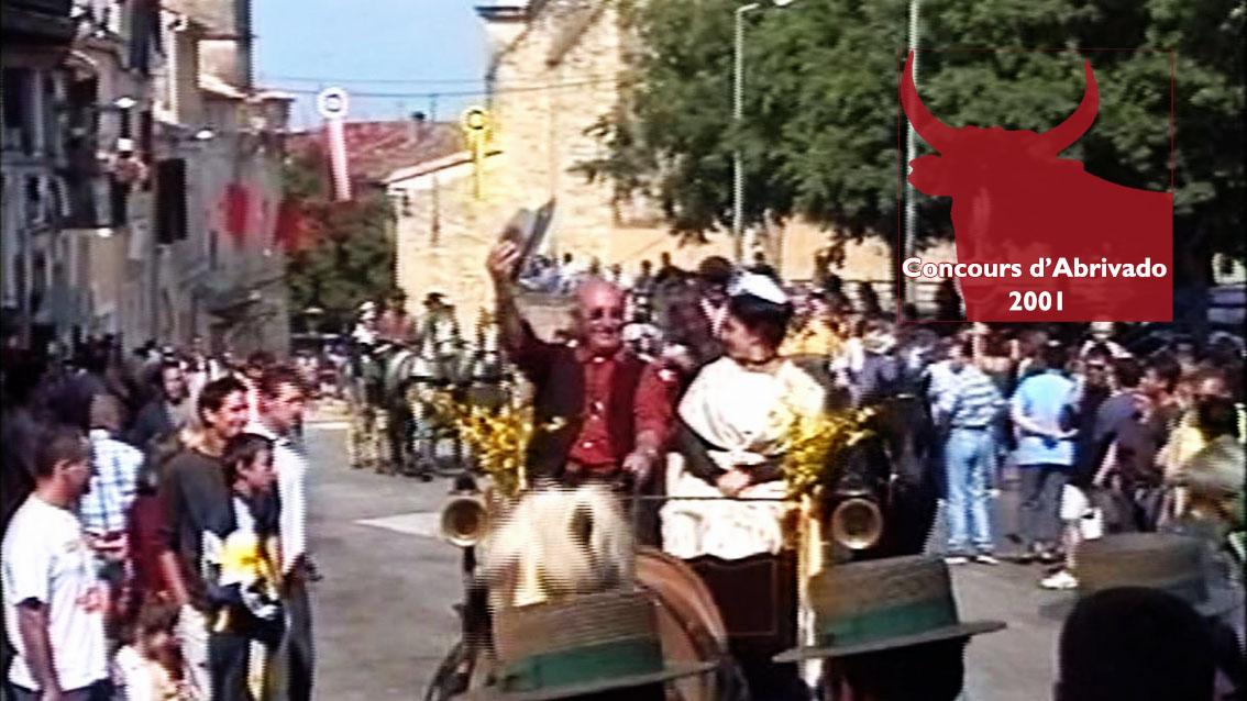 Le défilé d'attelages du concours d'Abrivado 2001 par Jean-Pierre Masse