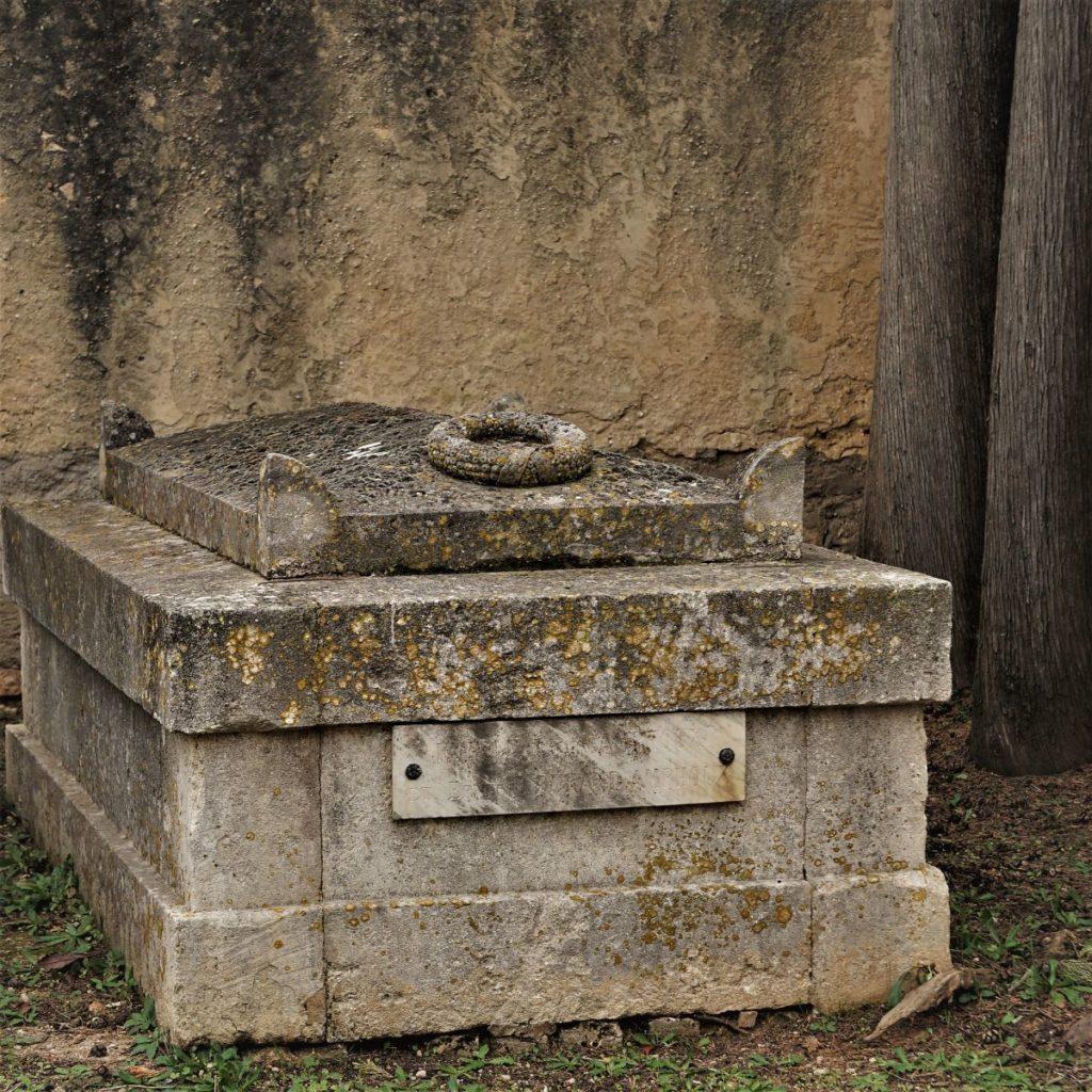 La plus ancienne tombe du cimetière
