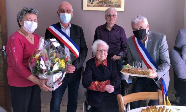 Mme Dolorès Thérond, nouvelle centenaire Aimarguoise