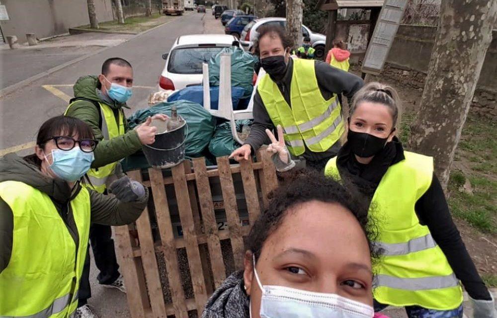 Nettoyage citoyen dans le village