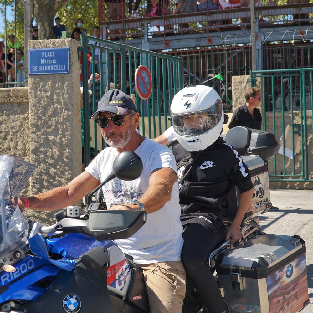 Défilé des motos